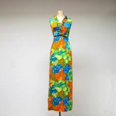 Vintage 1960s Hawaiian Dress / 60s Floral Print  Aloha Maxi Dress / Medium.
