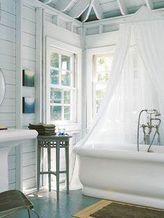 What a cool bathtub!