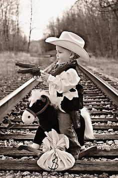 Omg! What an adorable photo. I should've had this done when my lil Jessey James was still little :(