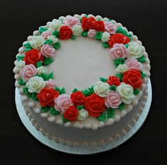 Butter cream rose cake by Snacky French