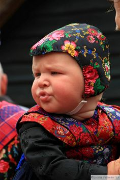 Staphorst | Flickr - Photo Sharing! Funny Babies, Cute Babies, Baby Kids, We Are The World, Folklore, Traditional Art, Netherlands, Holland, Beautiful People