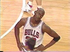 Michael Jordan Gif, Mike Jordan, Kobe Bryant Michael Jordan, Michael Jordan Pictures, Michael Jordan Basketball, Basketball Baby, Basketball Videos, Basketball Drills, Basketball Pictures