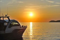 Pleasure Craft License in Ontario and Elsewhere Go Skiing, Us Coast Guard, Time Of Your Life, Family Outing, Save Life, Getting Out, Ontario, Something To Do, Boats