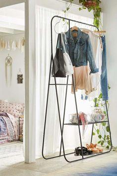 Wer im Schlafzimmer keinen Platz für einen Kleiderschrank hat, kann dieses Design wählen ❤️Stil-Fabrik❤️