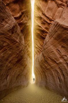 The Infinite Gallery : Tunnel of Light - Petra, Jordan
