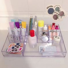 Getting organized for college! Care Organization, Dorm Room Organization, Aesthetic Beauty, Aesthetic Makeup, Beauty Care, Beauty Skin, Glossier You, Preppy Girl, Perfume