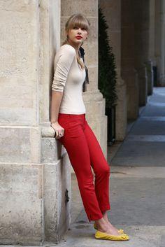 Taylor Swift Rides Her Bike Through Paris