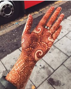 All the women and girls who are searching for charming designs of henna they must go through from the given link because here we have created a list of awesome mehndi designs for all the fashionable women in Indian Mehndi Designs, Henna Art Designs, Mehndi Designs 2018, Mehndi Designs For Girls, Stylish Mehndi Designs, Mehndi Design Pictures, Wedding Mehndi Designs, Beautiful Henna Designs, Mehndi Images