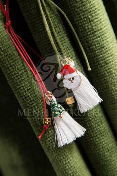 Christmas witness pins, Santa and tree with enamel and tassel on a waxed cord. Christmas Favors, Christmas Ideas, Tassel Necklace, Cord, Tassels, Enamel, Santa, Cable, Vitreous Enamel