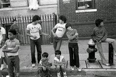 Dónde nació el 'hip hop... en el Bronx... en la miseria, en la alegría, en la violencia... en la calle... en la pandilla... en los 80s                   Ricky Flores   y otros (Henry Chalfant, StephenShames, Martha Cooper, JP Laffont and Jamel Shabazz among others)                     http://loquevelacamara.blogspot.com.es/