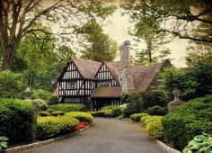 Tudor style home exteriors are rather easy to identify. Many people drive by them quite regularly with jaws dropped and eyes wide at the simple beauty and elegance of this style of architecture. English Tudor Homes, English House, English Style, Tudor Cottage, Cottage Style, Casas Tudor, Tudor House Exterior, Estilo Tudor, Storybook Homes