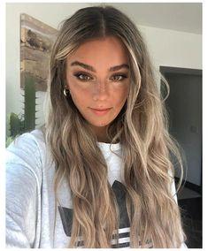 Balayage Hair Brunette With Blonde, Blonde Hair Looks, Brown Blonde Hair, Dark Balayage, Short Balayage, Bronde Balayage, Bronde Haircolor, Short Blonde, Dark To Blonde