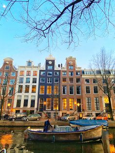 Amazing houses with bright, large windows, canals, boats - I'm in a fairytale 🇱🇺⛵️✈️🏡🚲🌷 ✖️✖️✖️ ______________________________________________ . Amsterdam Canals, Amsterdam City, Amsterdam Netherlands, Amsterdam Pictures, Living In Amsterdam, City Photography, Cute Pictures, Holland Europe, Boats