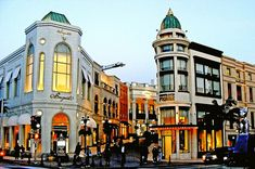 Shop on Rodeo Drive (Beverly Hills, California) Oh The Places You'll Go, Places To Travel, Places To Visit, Rodeo, Beverly Hills, San Diego, Visit Los Angeles, Las Vegas, Arizona