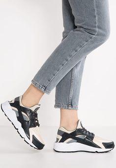 Nike Sportswear Air Huarache Run Trainers AnthraciteOatmealCool GreyBlackWhite  Og7196