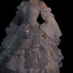 Pretty Dresses, Beautiful Dresses, Mode Lolita, Tattoo Und Piercing, Fairytale Dress, Princess Aesthetic, Fantasy Dress, Aesthetic Clothes, Aesthetic Style
