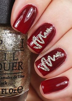These 30 festive Christmas nail ideas will give you some amazing and truly unique nail art ideas that youll wanna replicate immediately Christmas Nail Polish, Diy Christmas Nail Art, Xmas Nails, New Year's Nails, Holiday Nails, Diy Nails, Christmas Trends, Elegant Christmas, Simple Christmas Nails