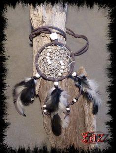 Dreamcatcher Necklace https://www.facebook.com/pages/Des-Noeuds-et-des-Pierres/598136326891842