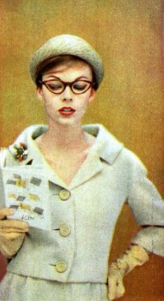Image result for 1950s cat eye glasses photographs Sixties Fashion, 1950s  Fashion, Vintage Fashion bfdc26200374