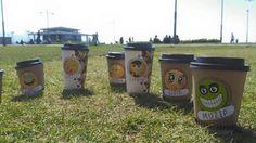 Arkadaşlar çimlerde yayılmanın moodunu bulmuşlar smile ifade simgesi www.brewmood.com.tr #brewmood #coffee #tea #alsancak #kıbrısşehitleri