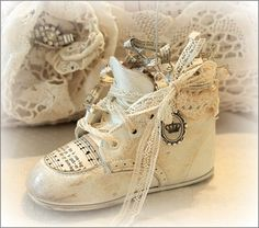 Baby shoe picture holder.  Love