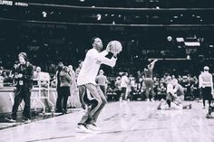 Jeff Green gets ready for his first game as a Clipper. 2/20/2016