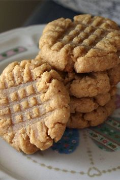 "Flourless Peanut Butter Cookies | ""Divine! These are the best peanut butter cookies!"" #cookies #cookierecipes #bakingrecipes #dessertrecipes #cookieideas"