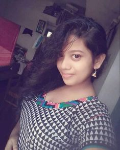 Beautiful Girl In India, Beautiful Women, Girl Photo Poses, Girl Photos, Just For Men, Indian Beauty Saree, Latest Images, India Beauty, Indian Girls
