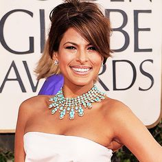 Eva Mendes at the 2009 Golden Globes. I'm still completely in love with her amazing necklace