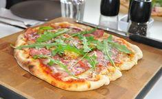 Pizza kaasugrillissä
