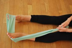3 Basic TheraBand Exercises to Increase Turnout and Strengthen Feet - Dance Teacher Foot Stretches, Dance Stretches, Foot Exercises, Train Hard, Dance Moms, Ankle Strengthening Exercises, Dance Aesthetic, How To Strengthen Knees, Ballet Feet
