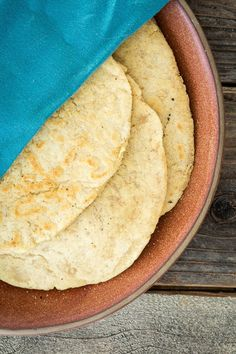 Yeast-free, #Vegan & #GlutenFree Flatbreads that will be in your mouth in 30 minutes! What are you waiting for?  |  Keepin' It Kind