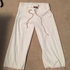 Juicy couture sweat pants with lace detail Juicy couture sweat pants with lace detail Juicy Couture Pants Capris
