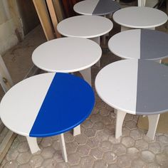 Adding some personality to very simple tables in the work shop today with @modestgeniusdesign #ecru #display #design #ecruafrica #blue #white #grey #geometry #shapes #popup