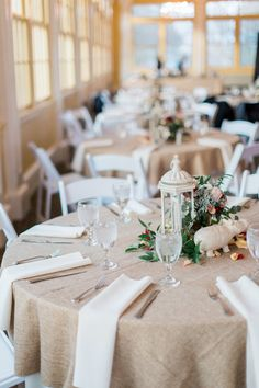 Winter Wedding Tablescape At The Maryland Zoo Gabrielle Ryan S Photo By Laura Elizabeth Photography