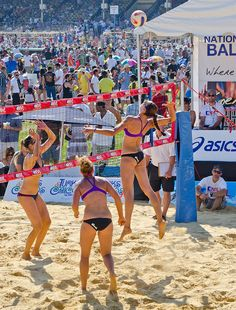 Women's Final - Jenny Kropp hitting