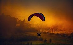 Great list of adrenaline junkie bucket list adventures around world. Extreme activities that will get your adrenaline pumping & reaching for new heights. Cloud Photos, Sunset Photos, Hd Photos, Stock Photos, Adventure Bucket List, Orange Is The New, Paragliding, Diy Halloween Costumes, Mime Costume