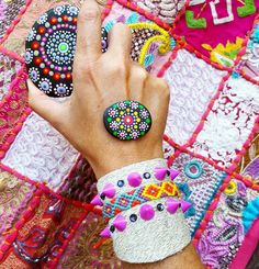 BRAZALETE❤PULSERA DE CUERO ♡pulsera en cuero con cinta wayuu , cristales y taches morados  #mardeamorsw #pulsera #pulseraswayuu #pulseras #pulserasdemoda #pulserasdecuero #manillasdecuero #manilla #manillas #manillaswayuu #manillasdemoda #brazaleteswayuu #brazelet #brazalete #brazaletes #brazalets #brazaletesdecuero #brazaletedecuero #wayuu #wayuustyle #wayuumochila #wayuubags #hippielife #hippiestyle #hippie #hippiegirl #hippiechic #bohogirl #africanleather