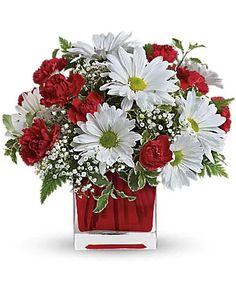 Christmas Flowers Delivery Louisa KY - Farmhouse Memories Valentine Flower Arrangements, Valentines Flowers, Beautiful Flower Arrangements, Floral Arrangements, Beautiful Flowers, July Flowers, Fresh Flowers, Flowers Gif, White Flowers