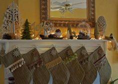 Addobbi natalizi americani - Addobbare con le calze il camino