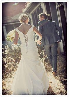 California country wedding: Lauri + Karley | Real Weddings | 100 Layer Cake