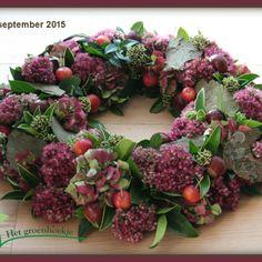 Diy Christmas Ornaments, Christmas Wreaths, Christmas Decorations, Autumn Wreaths, Fall Flowers, Christmas Design, Autumn Home, Flower Crafts, Floral Arrangements