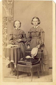 1860s Antique Civil War Decade CDV Carte de Visite Photo Young Victorian Ladies