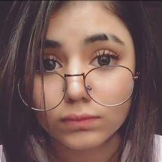Cute Girl Poses, Girl Photo Poses, Cute Girls, Musician Photography, Tumblr Photography, Photography Poses, Cute Glasses, Girls With Glasses, Girl Pictures
