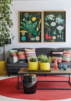 Combining bright, bold shades can infuse your living room with plenty of personality. Home Journal, July, 2017. Photography: Warren Heath   Bureaux.co.za