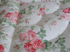 Martha Large Peachy Pink Roses Double Piped Edge Eiderdown — Belinda Davies Eiderdowns - Vintage Inspired Cosiness!