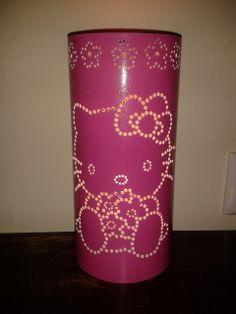 Candeeiro artesanal em pvc altura +/- 20 cm diamentro 100 mm cor exterior: rosa cor interior: branco