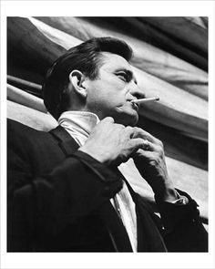 Listen to music from Johnny Cash like Hurt, Ring of Fire & more. Find the latest tracks, albums, and images from Johnny Cash. Johnny Cash June Carter, Johnny And June, Country Singers, Country Music, Musica Country, My Ex Girlfriend, Portraits, Music Film, My Favorite Music