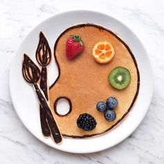 Craft ideas with food on plates motivate you to live a healthier life - craft ideas painting art decoration idea Informations About Bastelideen mit Lebensmitteln auf Teller - Cute Food, Good Food, Yummy Food, Cute Desserts, Dessert Recipes, Creative Desserts, Pancake Art, Food Art For Kids, Food Artists
