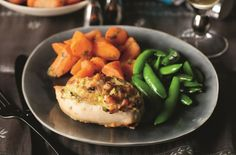 Slimming World's maple-glazed chicken breasts with cheesy ham and leek stuffing recipe - goodtoknow